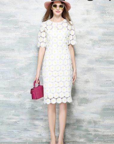YV004 Váy Ren Hoa Cúc To Thân Dài Tay Lửng