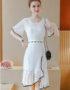 AV23 Váy ren trắng xòe đuôi cá viền đen