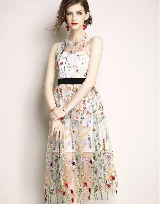 D1825 : Đầm ren thêu hoa nhỏ HK cao cấp xòe dễ thương