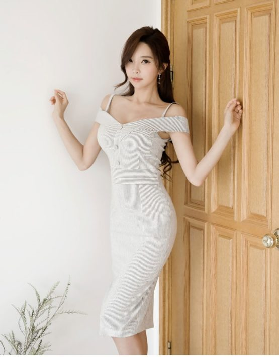 D1852 : Đầm ôm sọc kẻ Hàn Quốc cổ trễ vai