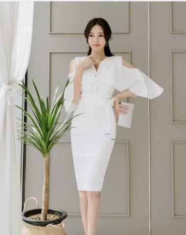 D1862 : Đầm liền ôm Hàn Quốc tay loe hở vai thắt đai eo