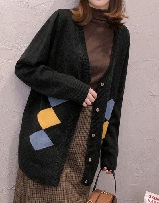 K1831 : Áo khoác len thân dài cổ chữ V phối ô vuông chéo 2 bên
