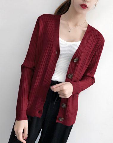 K1819 : Áo khoác len sọc cổ chữ V cài nút to