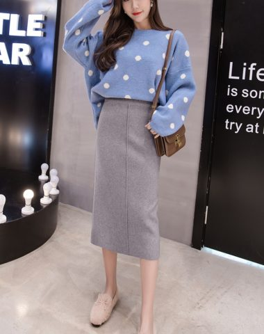 CL1801 : Chân váy len dệt kim dài xẻ giữa trước