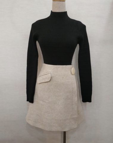 DL1826 : Set bộ áo len dệt kim cổ cao + Chân váy dạ ngắn xòe