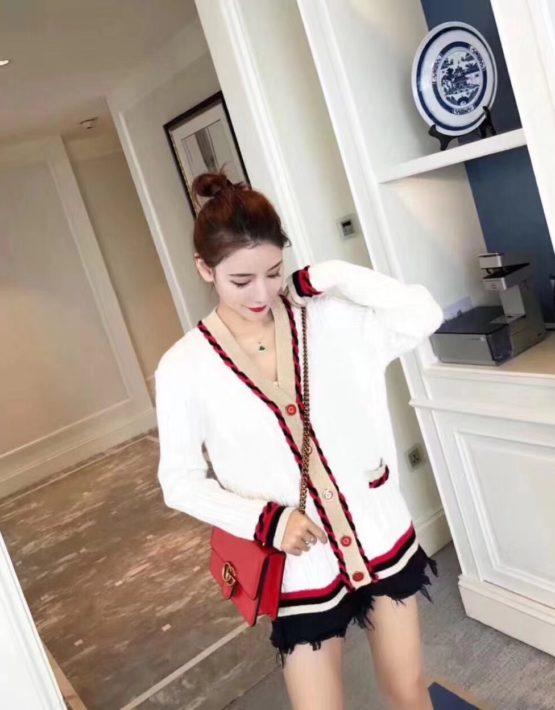 K1841 : Áo khoác len dày dệt xoắn thừng viền tết cổ chữ V