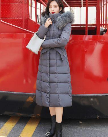 K18100 : Áo khoác phao thân dài Hàn Quốc mũ lông thú thắt đai eo