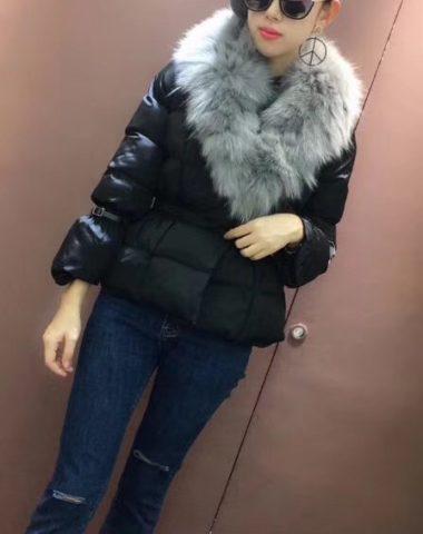 K67 : Áo khoác phao lông vũ thân ngắn phối cổ lông thú cao cấp