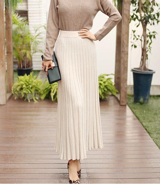 CL1803 : Chân váy len dệt kim xòe dài dập ly