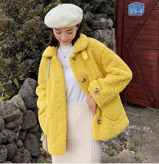 K1947 : Áo khoác lông cừu cao cấp thân ngắn 2 túi trước cài nút