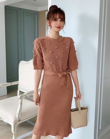 DL1903 : Đầm len dệt kim tay lửng hoa tròn nổi thắt eo