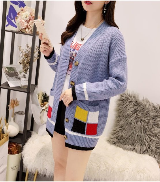 K1939 : Áo len dệt kim cổ chữ V 2 túi ô vuông 4 màu