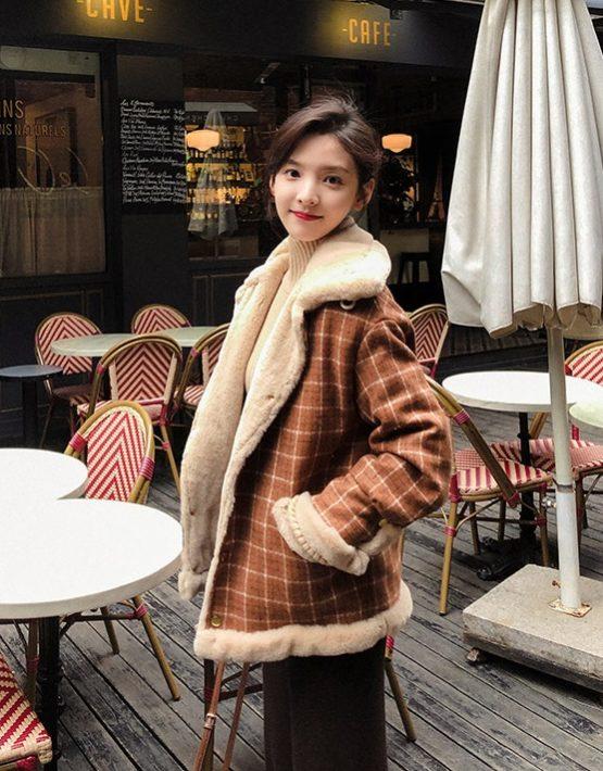 K1974 : Áo khoác dạ sọc kẻ cổ bẻ lót lông thỏ mịn ấm áp