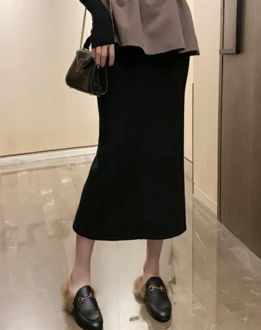 CL1906 : Chân váy len dệt kim ôm đuôi cá