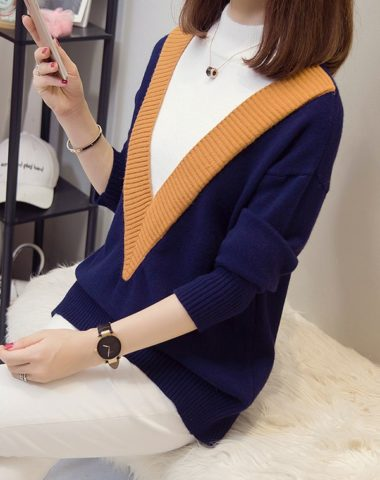 AL930 : Áo len dệt kim dáng suông cổ cao phối viền màu chữ V
