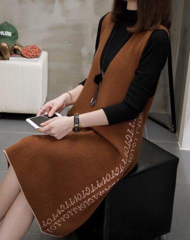 DL1928 : Set bộ áo len cổ lọ + đầm len suông sát nách cổ chữ V
