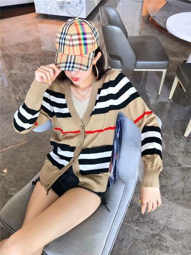 K201 : Áo khoác len mỏng cardigan sọc kẻ ngang cài nút