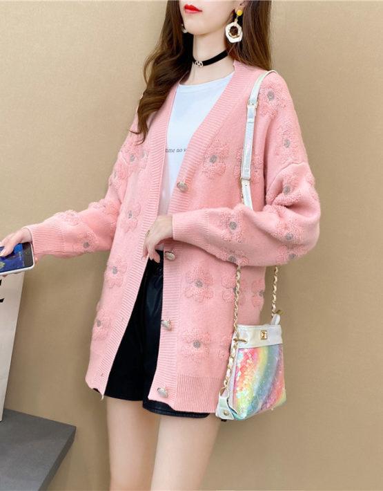 K205 : Áo khoác len thân dài dệt hoa cổ chữ V cài nút lớn