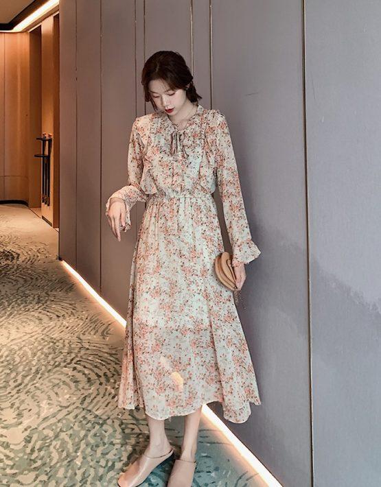 D229 : Đầm voan hoa nhí cổ thắt nơ viền bèo tay loe dài