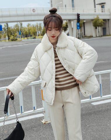K243 : Áo khoác phao sọc trám kim cương cổ bẻ lông cừu